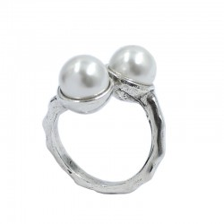 Bague avec des perles