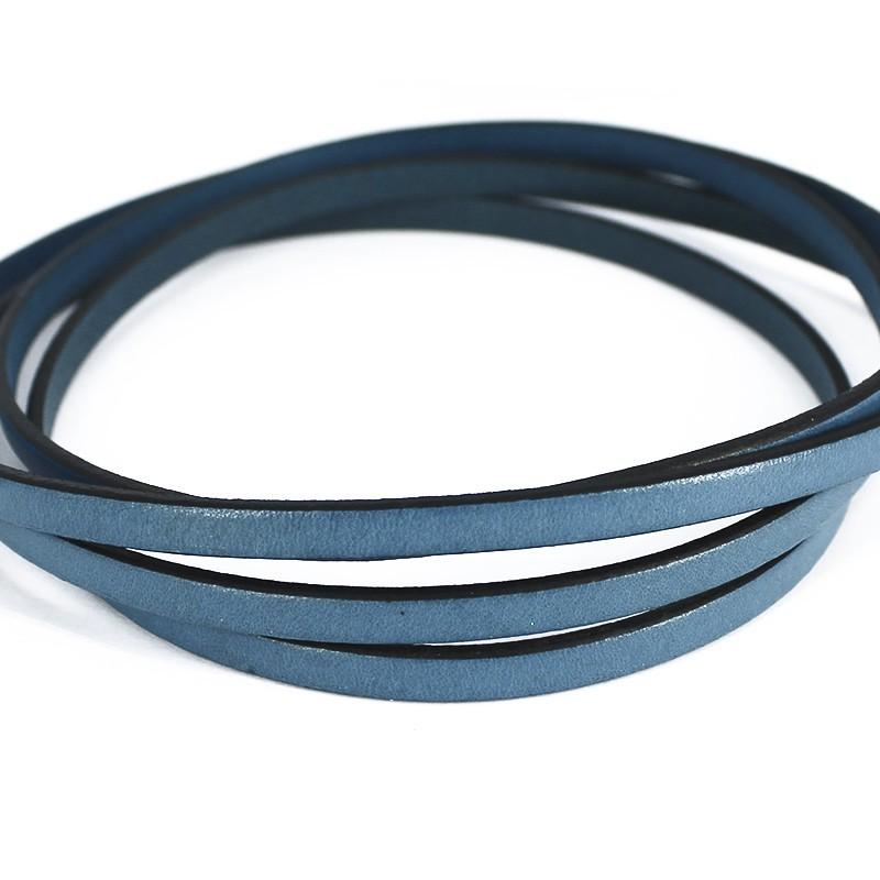 Cuero plano de color azul