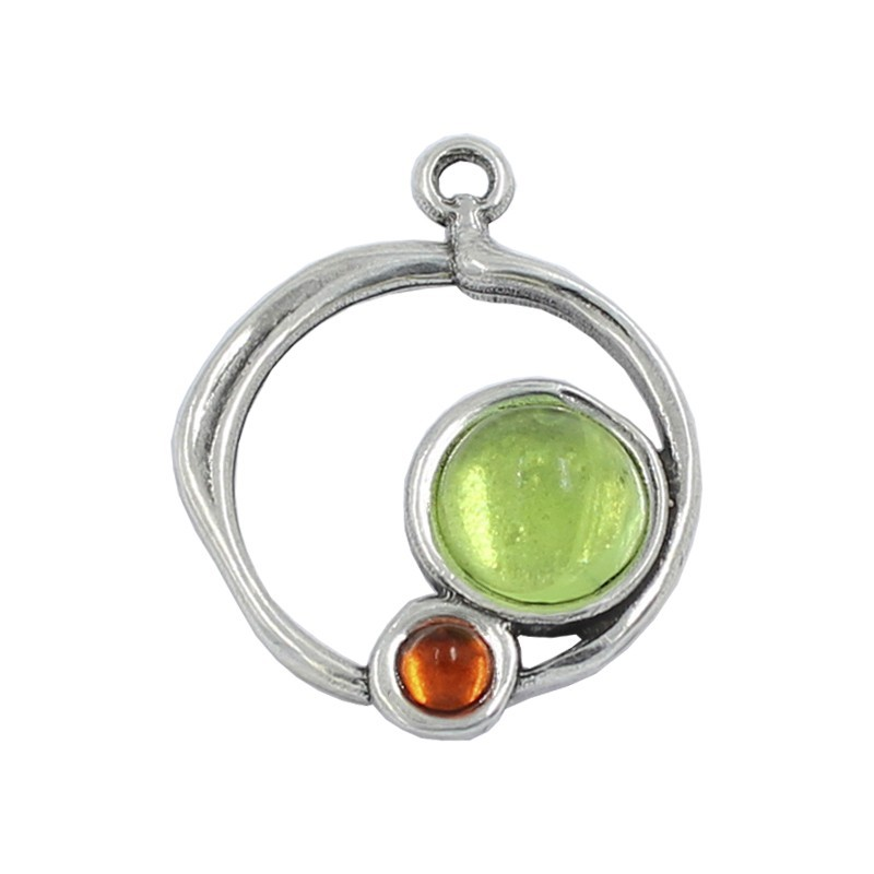 Pendant jewelry with resin