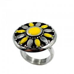 Ring Daisy with enamel