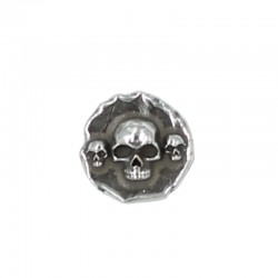 Rivet button with skull motif