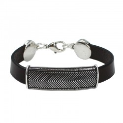 Herringbone-shaped bracelet