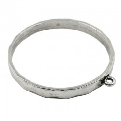 Bracelet rigide en zamak avec un anneau pour accrocher des breloques