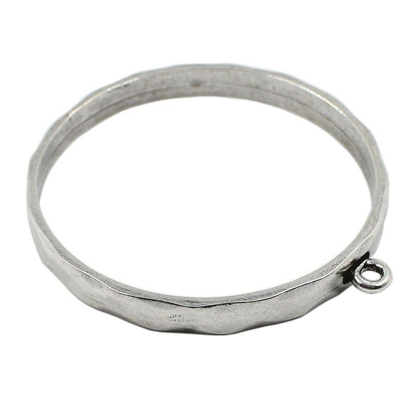 Pulsera rígida de zamak con anilla para colgar charms