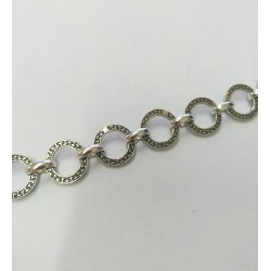 Metal chain with round rings