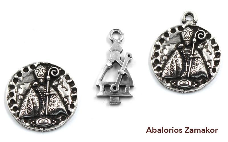Abalorios de San Fermín hechos de zamak y plata